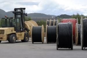 Kabel des größten norwegischen Kabelherstellers Nexans Norge sollen künftig schneller und billiger in die Erde kommen.©Nexans Norge