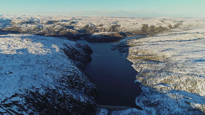 Der Langevatn Stausee liegt in der norwegischen Gemeinde Åseral in Vest-Agder. Implenia realisiert gemeinsam mit Risa AS einen neuen Damm sowie einen Tunnel. ©Anders Martinsen / Agder Energi